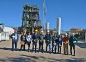 La comitiva gubernamental recorrió las plantas productivas de Frío Industrias Argentinas y CRAFMSA