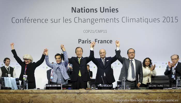 195 naciones reunidas en la capital francesa acordaron mantener el aumento de la temperatura global del planeta por debajo de 1.5 grados centígrados
